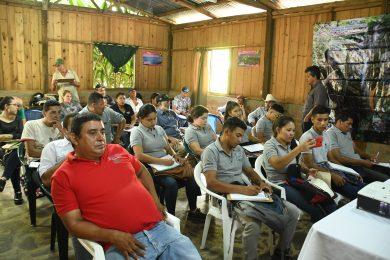 PRODUCTORES DE LA RESERVA NATURAL TISEY ESTANZUELA COMPARTEN EXPERIENCIAS EXITOSAS DE LA CONSERVACIÓN DE SUS BOSQUES